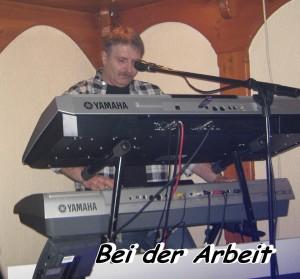 1Bei-der-Arbeit-300x279 in